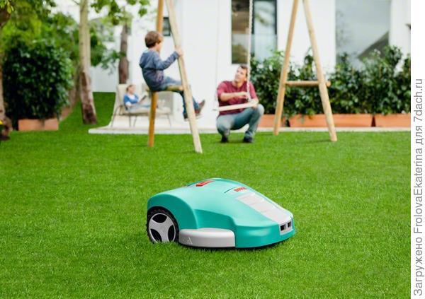 Робот-газонокосилка фирмы Bosh. Фото с сайта toolson.ru