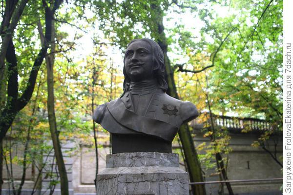 Памятник Петру Великому в Бельгии. Фото с сайта liveinternet.ru