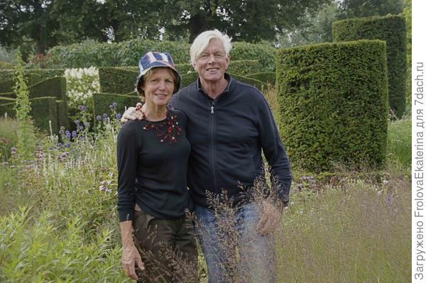 Пит и Ани Удольф в своем саду. Фото с сайта cultureforfriends.eu