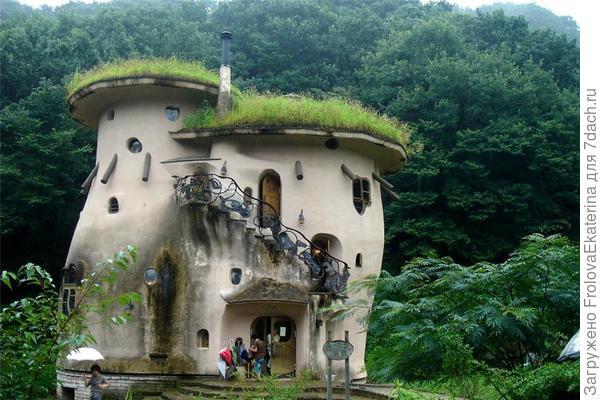 Дом муми-троллей в Японии. Фото с сайта s019.radikal.ru