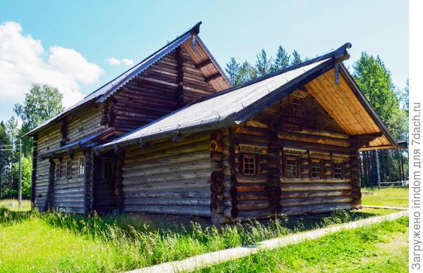 небольшой крестьянский дом