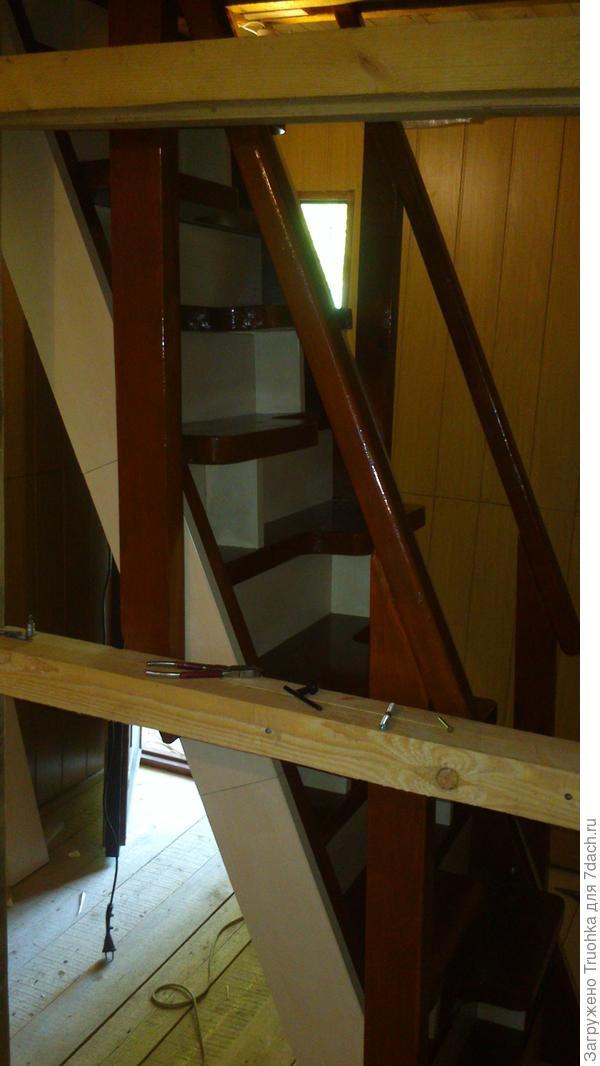 лестница с гусиным шагом