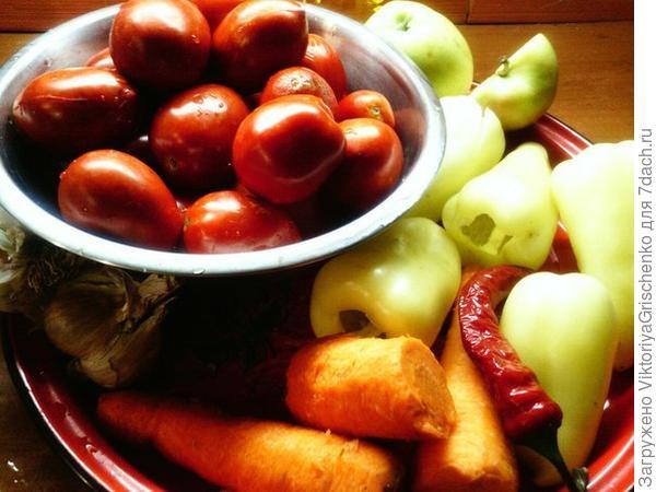 Перебиваем овощи кроме чеснока перца