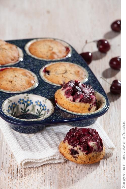 Вишневые мини-пироги