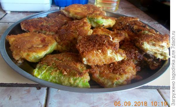 шницель с савойской капусты с сыром