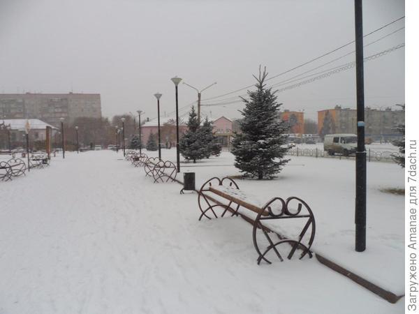 Снег внезапно накрыл наш город