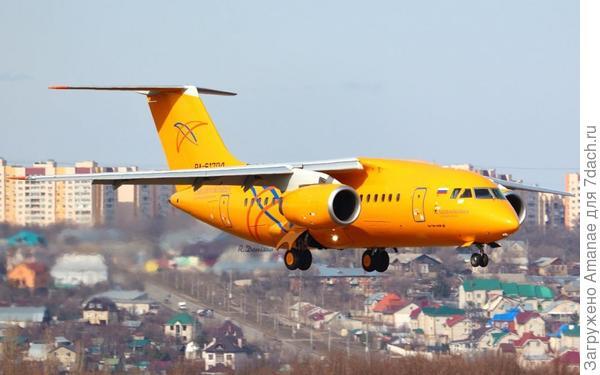 Золотистый самолёт рейса Москва - Орск, пролетавший каждый вечер над нашим домом