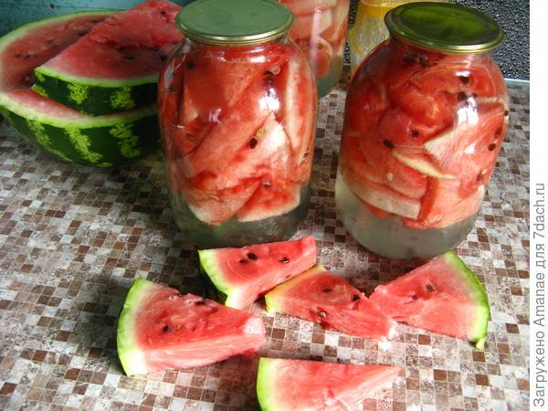 Из арбузиков получается экзотическая сладко-соленая закуска