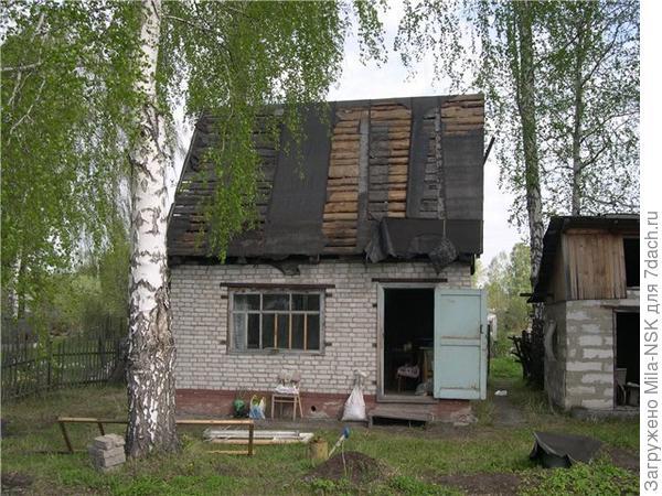 Дом старый и страшный в мае 2007 г.