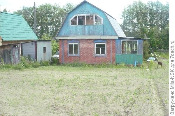 вид на дом с участка