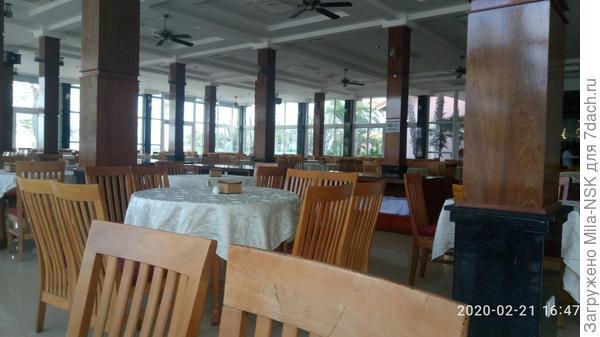 Зал ресторана.