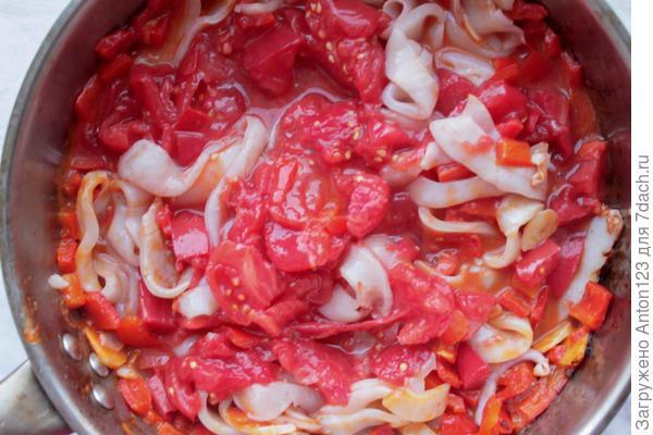 помидоры, кальмары