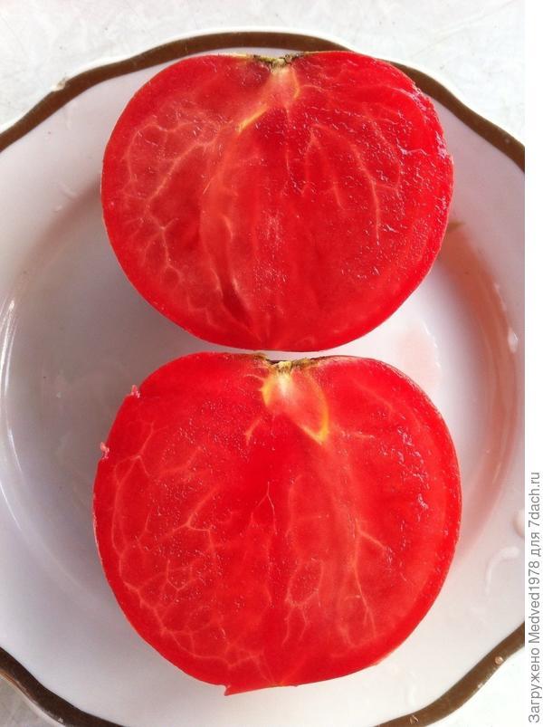 Мякоть помидора сорт Ягода-малина