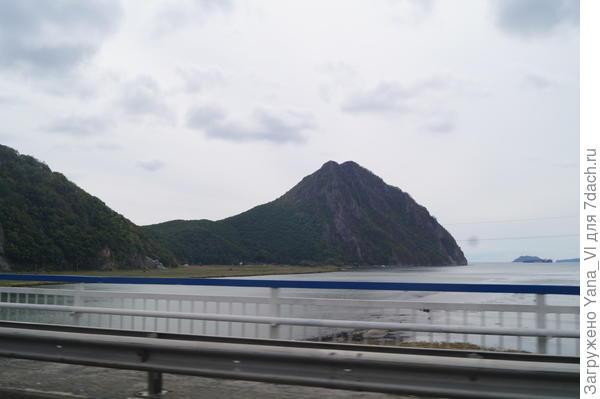 гора Сестра (вид с дороги)