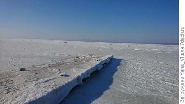 Пирс целиком покрыт льдом