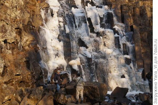 Разыскиваем в чаще леса великолепные водопады...