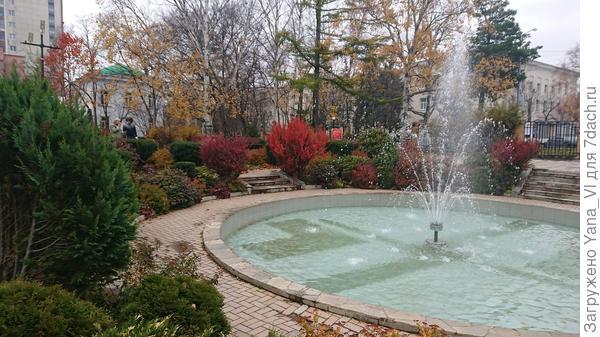 другая сторона фонтана