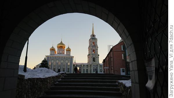В кремле вечером
