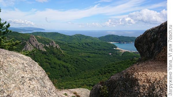Вид на Долину Атлантов с верхней её точки