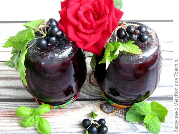 Варенье из черной смородины с базиликом и мятой. Рецепт с пошаговыми фото