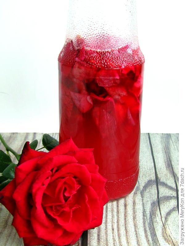 Ликёр из лепестков роз домашний. Пошаговый рецепт с фото