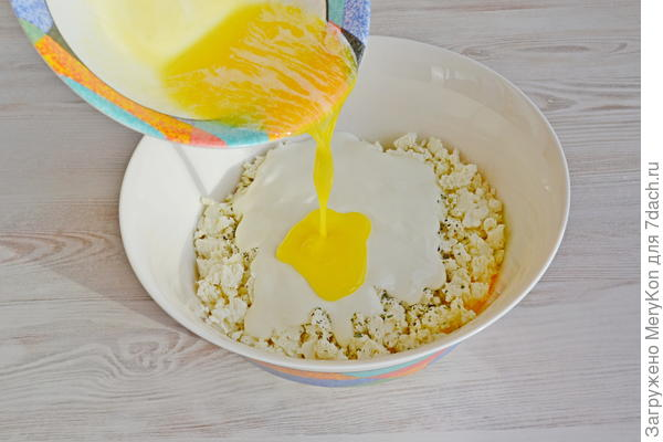 Баница - слоеный пирог из теста фило с начинкой из сыра. Пошаговый рецепт приготовления с фото