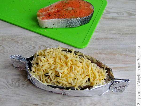 Красная рыба под сырной шубкой - пошаговый рецепт приготовления с фото