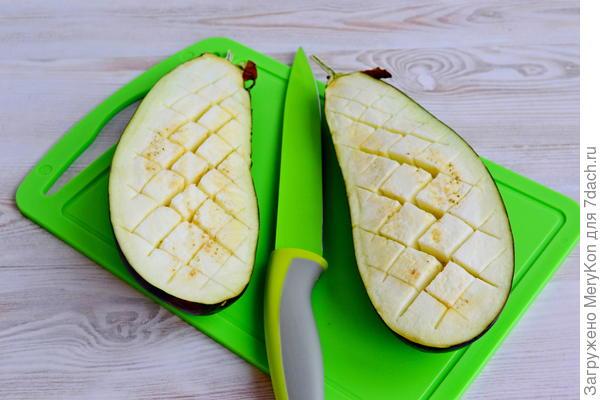 Лодочки из баклажана с двумя видами сыра - пошаговый рецепт приготовления с фото