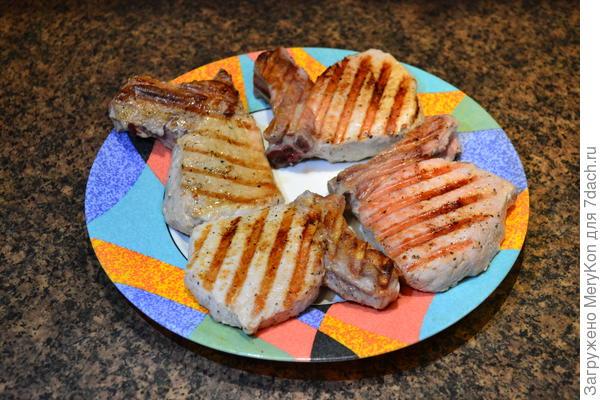 Свинина на кости с баклажаном, приготовленные на гриле. Рецепт с пошаговыми фотографиями