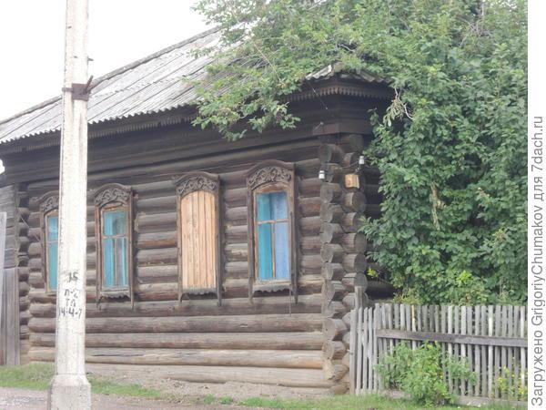 Не поверю, что этот дом советских времен - добротный, для себя!