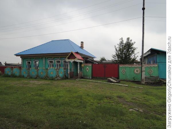 Самый резной дом, наверно да же в Бирилюсском районе
