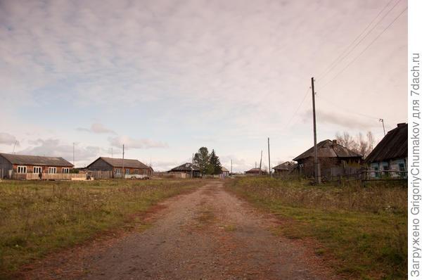 другая улица с типичными домами