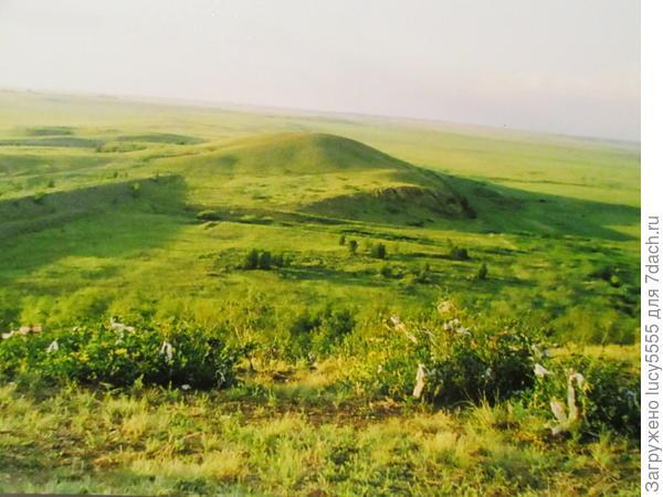 Вид с горы Любви на Шаманку. Видна несостоявшаяся плотина водохранилища.