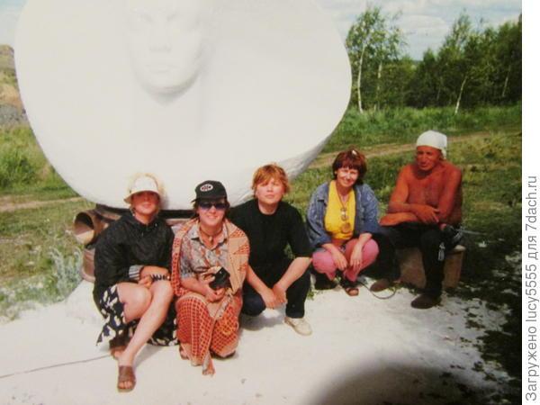 Скульптор, который прожил на Аркаиме несколько лет. Его скульптуры стоят там же. Эта ещё в процессе работы