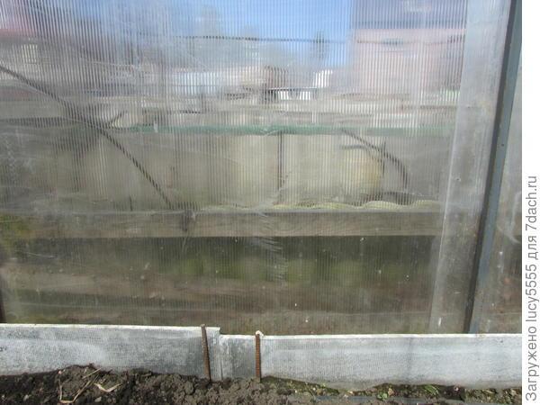 северная сторона засыпана керамзитом на высоту 35 см до следующей террасы