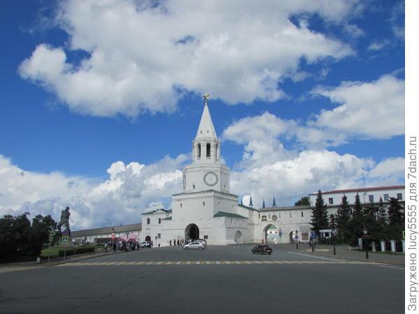Спасская башня, вход в Кремль