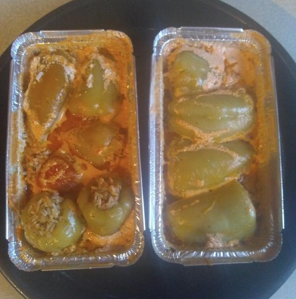 Сладкий перец, фаршированный полукопчёной колбасой - пошаговый рецепт приготовления с фото