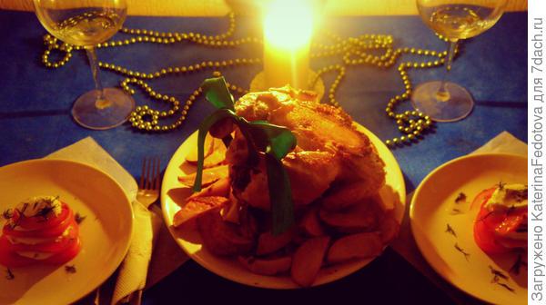 ужин курочка и картошка и салат капрезе