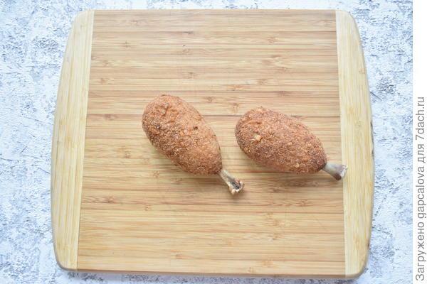 Куриная котлета на косточке, приготовленная во фритюре. Пошаговый рецепт с фотографиями