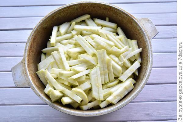 Салат из кабачков на зиму; Сергиево-Посадский. Пошаговый рецепт с фото