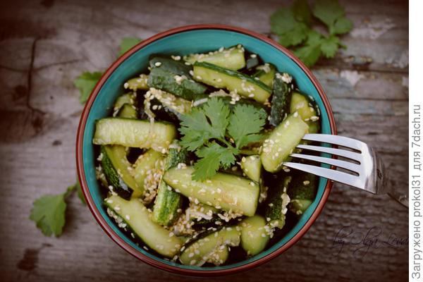 салат из огурцов ( заготовка для зимы )