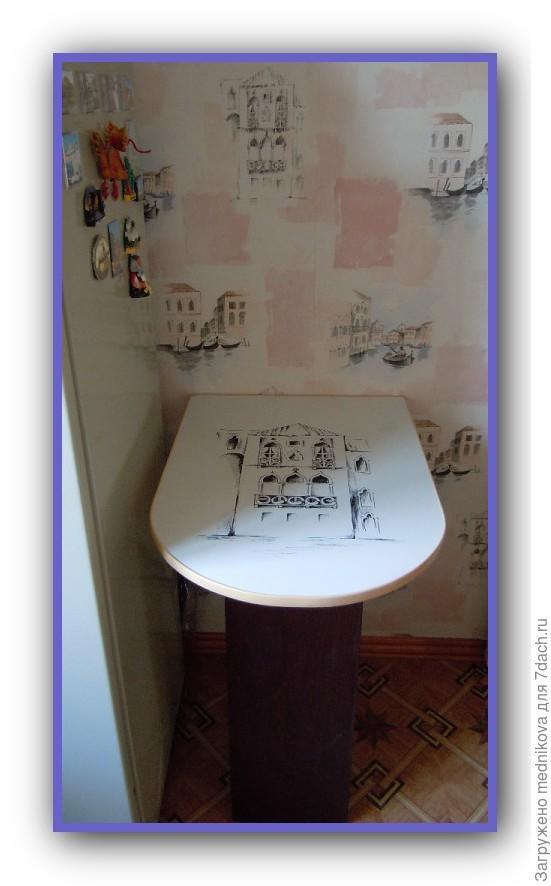 Дачный столик из корпуса от телика и куска доски , быстро и удобно.