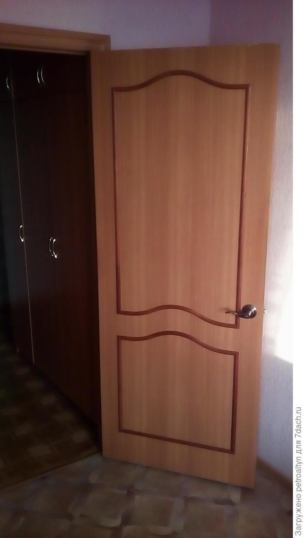шифоньер вынесен в коридор