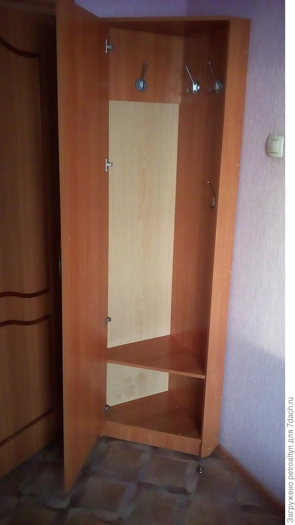 шкафчик вместительный