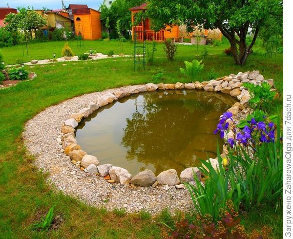 Декоративный пруд на даче