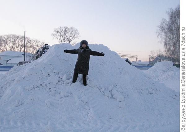 Кому снега?...