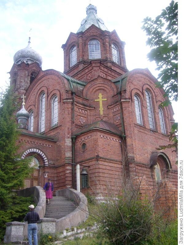 Церковь Архистратига Михаила.