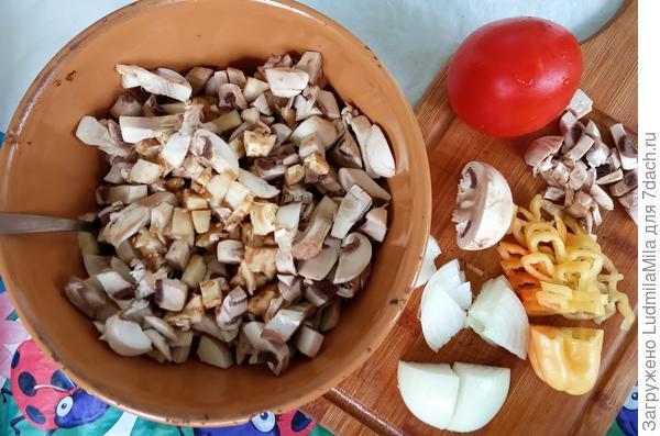 Баклажаны, фаршированные шампиньонами - пошаговый рецепт приготовления с фото