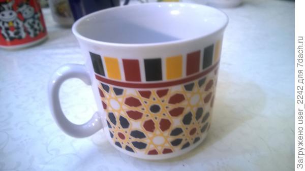 Ещё одна кружечка для чая, но поменьше, мы с дочкой из неё периодически пьём чай.