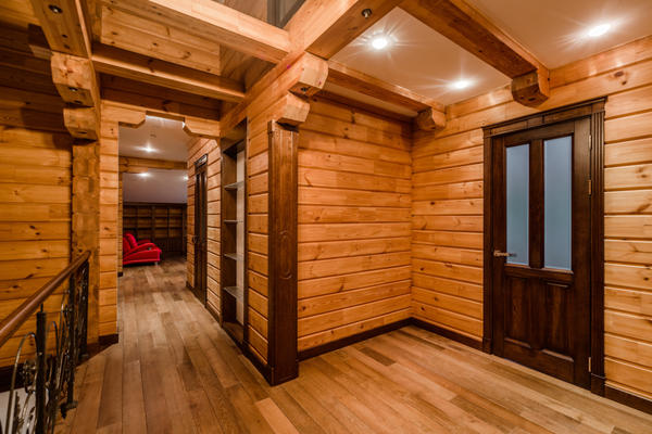 Деревянный дом реально дышит, а значит, в нем остается гораздо больше мелкодисперсной пыли
